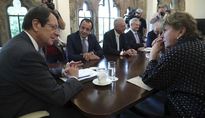 Από την συνάντηση του Νίκου Αναστασιάδη με την Ειδική Απεσταλμένη του γγ. του ΟΗΕ Τζέιν Χολ Λουτ