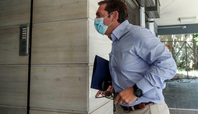 """Κορονοϊός: Στο νοσοκομείο """"Γεννηματάς"""" τη Δευτέρα ο Τσίπρας"""
