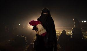 Μια γυναίκα και το μωρό της εκδιώχθηκαν από Συριακά εδάδη