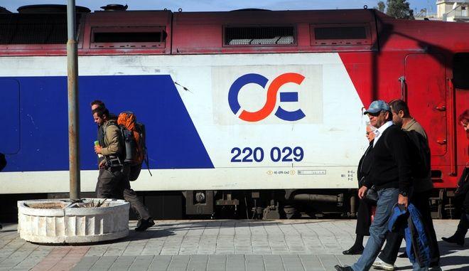 ΑΘΗΝΑ- Στάση εργασίας πραγματοποιούν οι εργαζόμενοι στον ΟΣΕ και του Προστιακού από τις 9 το πρωί έως τις 12 το μεσημέρι .Φωτογραφία σταθμός Λαρίσης.(EUROKINISSI)