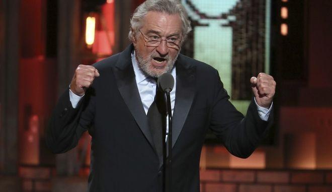 O Robert De Niro επί σκηνής, εξαπολύει επίθεση στο Ντόναλντ Τραμπ