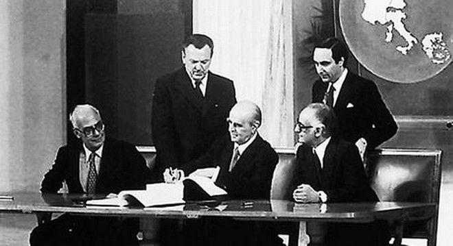 40 Χρόνια ΝΔ: Από τη Σοσιαλμανία στα Μνημόνια
