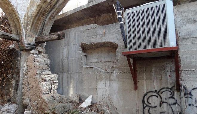 Εντυπωσιακή απόπειρα 'ριφιφί' σε κοσμηματοπωλείο στην Βέροια