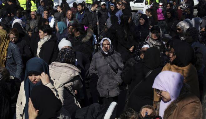 Γαλλικές εκλογές: Αποχή ή Αριστερά θα ψηφίσει η μουσουλμανική κοινότητα
