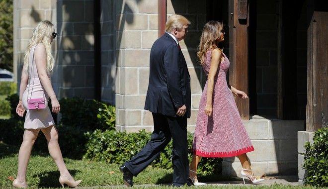 Η οικογένεια Τραμπ στη Φλόριντα (AP Photo/Pablo Martinez Monsivais)