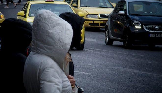 Βροχή στην Αθήνα, Αρχείο
