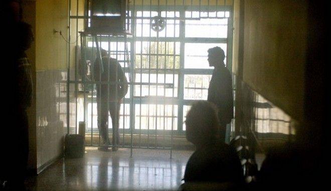 Αιματηρή συμπλοκή στις φυλακές Ναυπλίου