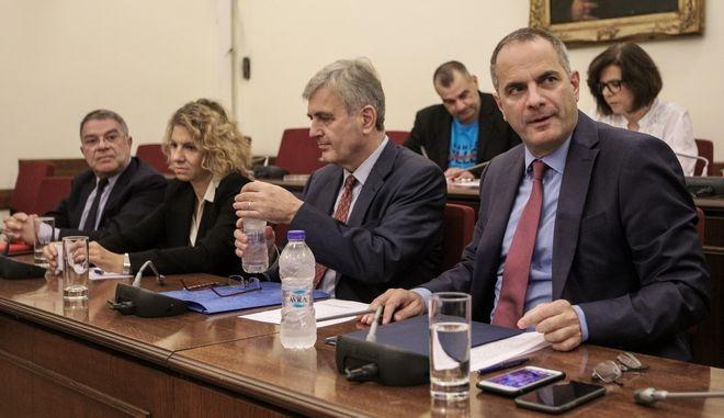 Ακρόαση από τα μέλη της Επιτροπής Θεσμών και Διαφάνειας της Βουλής των προτεινομένων, Κωνσταντίνου Ζούλα, Γεωργίου Γαμπρίτσου, Νικόλαου Ελματζιόγλου και Ιωάννας Στεφανάκη, για διορισμό στις θέσεις Προέδρου, Διευθύνοντος Συμβούλου και δύο μελών του Διοικητικού Συμβουλίου της ΕΡΤ