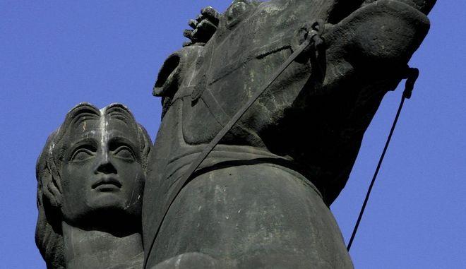 Ο Μέγας Αλέξανδρος πέθανε από δηλητηριασμένο κρασί;