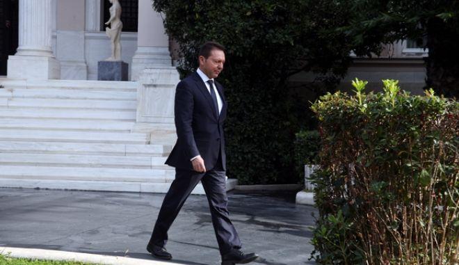 Ο πρωθυπουργός Αντώνης Σαμαράς στην ευρεία σύσκεψη στο Μέγαρο Μαξίμου με αντικείμενο τον σχεδιασμό της νέας τουριστικής περιόδου. Στη σύσκεψη συμμετείχαν ο υπουργός Οικονομικών, Γιάννης Στουρνάρας, ο υπουργός Εργασίας, Γιάννης Βρούτσης, η υπουργός Τουρισμού, Όλγα Κεφαλογιάννη και εκπρόσωποι του ΣΕΤΕ. (EUROKINISSI/ΓΟΥΛΙΕΛΜΟΣ ΑΝΤΩΝΙΟΥ)