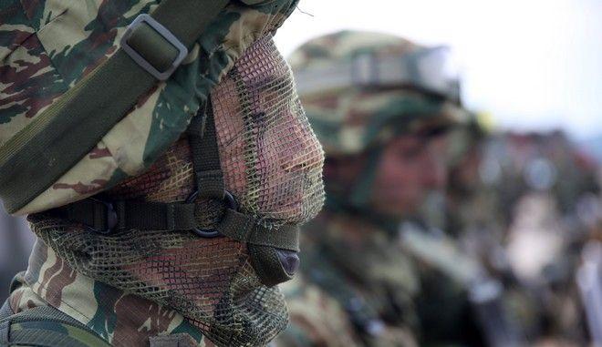 Τραυματισμός 2 στρατιωτών από εκπυρσοκρότηση όπλου στον Ασπρόπυργο