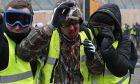 Διαδηλωτής των κίτρινων γιλέκων που αιμορραγεί