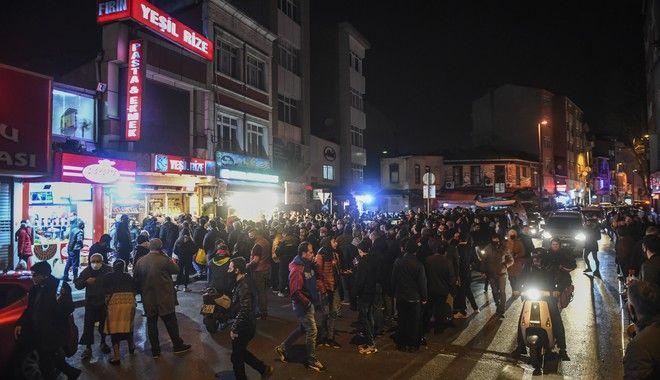Κορονοϊός στην Τουρκία: Εικόνες πρωτοφανούς πανικού στην Κωνσταντινούπολη