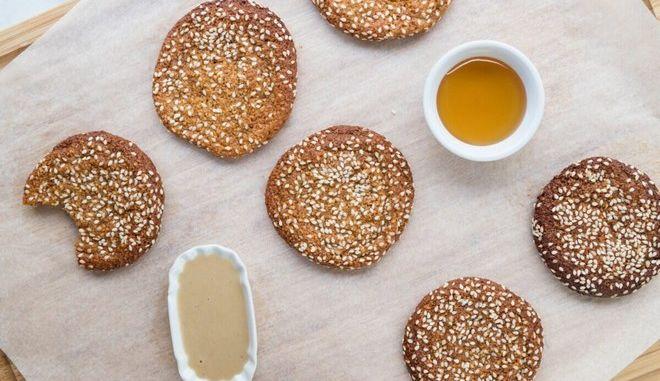 Εύκολα μπισκότα με ταχίνι και μέλι, χωρίς ζάχαρη και γλουτένη