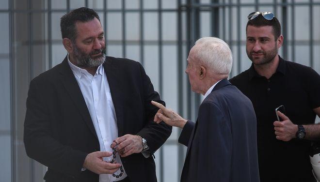O Γιάννης Λαγός έπαιξε καθυστέρηση στο Εφετείο. Στη φωτογραφία με τον δικηγόρο του Κ. Πλεύρη
