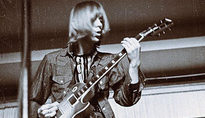 Ο πρώην κιθαρίστας του δημοφιλούς συγκροτήματος πέθανε την Παρασκευή σε ηλικία 68 ετών -  Συμμετείχε σε πέντε άλμπουμ της μπάντας