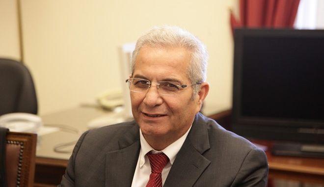Συνάντηση του γ.γ. του ΚΚΕ Δημήτρη Κουτσούμπα με τον γ.γ. της ΚΕ του ΑΚΕΛ Άντρο Κυπριανού, στη Βουλή, Πέμπτη 31 Μαρτίου 2016. (EUROKINISSI/ΓΙΑΝΝΗΣ ΠΑΝΑΓΟΠΟΥΛΟΣ)