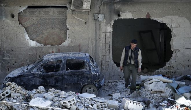 Λίγα μέτρα από το σημείο όπου φαίνεται πως έλαβαν χώρα οι επιθέσεις με χημικά από την κυβέρνηση της Συρίας