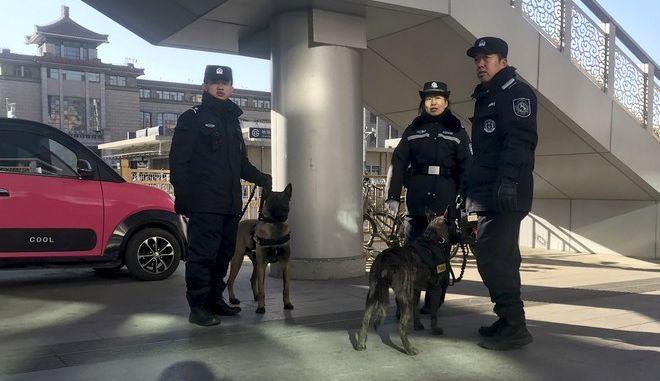 Αστυνομικές δυνάμεις της Κίνας