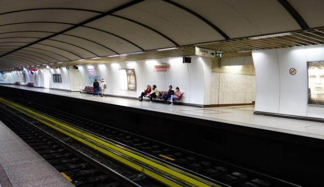 Πολίτες στο μετρό