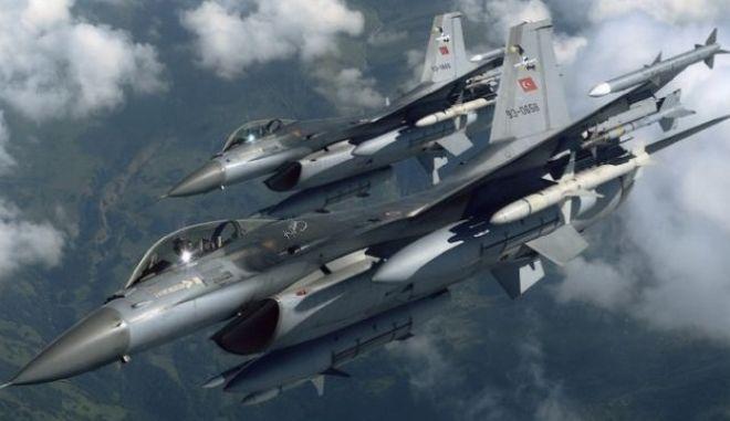 Τουρκικά πολεμικά αεροπλάνα σφυροκοπούν βάσεις του ΡΚΚ