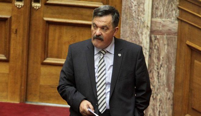 Συζήτηση στη Βουλή, για τις αιτήσεις άρσης της ασυλίας  των Βουλευτών Ηλία Κασιδιάρη και Κωνσταντίνου Καραγκούνη, την Τρίτη 12 Μαΐου 2015. (EUROKINISSI/ΓΙΩΡΓΟΣ ΚΟΝΤΑΡΙΝΗΣ)
