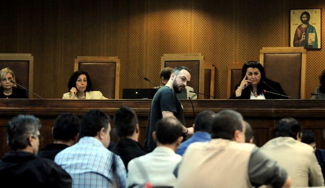 """Δίκη της """"Χρυσής Αυγής"""", την Πέμπ[τη 22 Οκτωβρίου 2015, με την συνέχεια της κατάθεσης του Δημήτρη Μελαχρινόπουλο, αυτόπτη μάρτυρα στη δολοφονία του Παύλου Φύσσα. (EUROKINISSI/ΤΑΤΙΑΝΑ ΜΠΟΛΑΡΗ)"""
