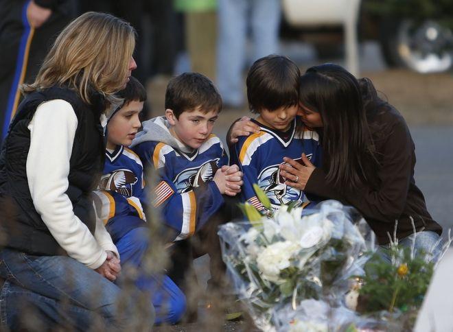 Ένοπλη επίθεση στο σχολείο Σάντι Χουκ