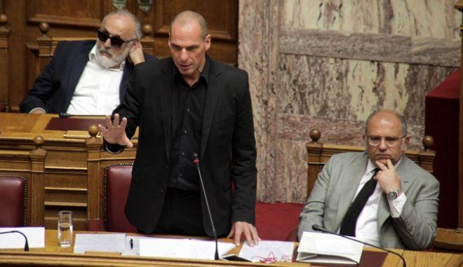 Συζήτηση επικαιρων ερωτησεων στην Βουλή την Πέμπτη 14 Μαΐου 2015. (EUROKINISSI/ΓΙΩΡΓΟΣ ΚΟΝΤΑΡΙΝΗΣ)
