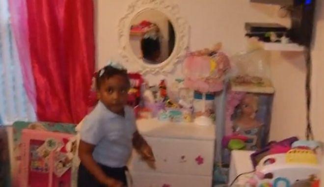 H 6χρονη που συνελήφθη και της έβαλαν χειροπέδες