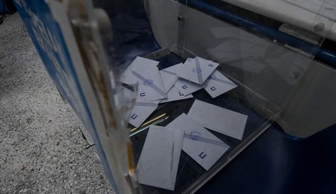 Στιγμιότυπο από τον β' γύρο αυτοδιοικητικών εκλογών
