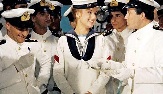 """Αλίκη Βουγιουκλάκη: Αδημοσίευτη φωτογραφία από τα γυρίσματα της ταινίας """"Η Αλίκη στο ναυτικό"""""""