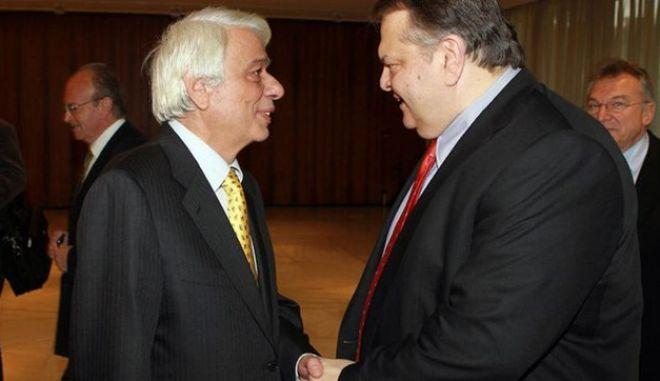 Αιχμές Βενιζέλου προς Παυλόπουλο για την παρουσία στην επιτροπή για το χρέος