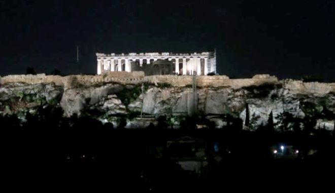 Κεραυνός στην Ακρόπολη - Πρόβλημα στον νέο φωτισμό