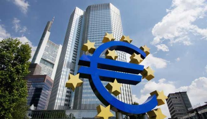Μέλος της ΕΚΤ τάσσεται υπέρ του τυπώματος χρήματος