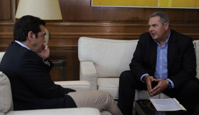 ΑΘΗΝΑ-Συνάντηση στο Μέγαρο Μαξίμου, ο πρωθυπουργός Αλέξης Τσίπρας και ο υπουργός Εθνικής Άμυνας Πάνος Καμμένος.(Eurokinissi-ΜΠΟΛΑΡΗ ΤΑΤΙΑΝΑ )