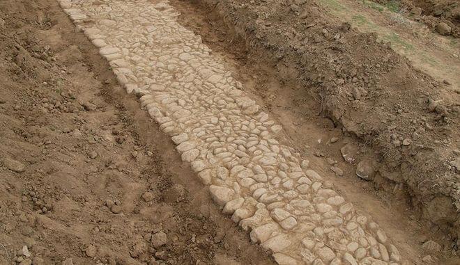 Σπουδαία ανακάλυψη: Στο φως δύο τμήματα της Αρχαίας Εγνατίας Οδού στη Ροδόπη