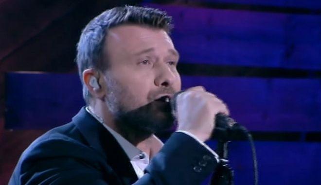 Ο Γιάννης Πλούταρχος παρουσίασε τα νέα του τραγούδια στον Λαζόπουλο - Δείτε τα