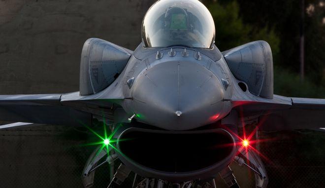 Έπεσαν οι υπογραφές για την αναβάθμιση των F-16