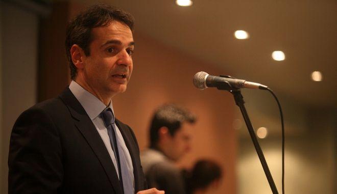 Ο υπουργός Διοικητικής Μεταρρύθμισης Κυριάκος Μητσοτάκης στην εκδήλωση για την κοπή της πίτας της ΝΟΔΕ ΚΑρδίτσας την Παρασκευή 21 Φεβρουαρίου 2014. (EUROKINISSI)