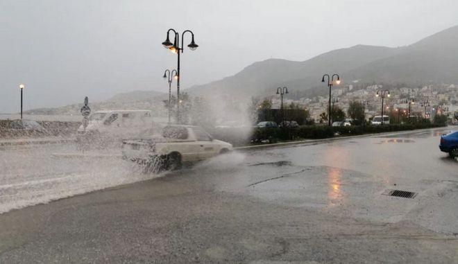 Κακοκαιρία: Πλημμύρες σε Πάτμο και Σάμο - Ακυρώθηκαν πτήσεις στη Ρόδο