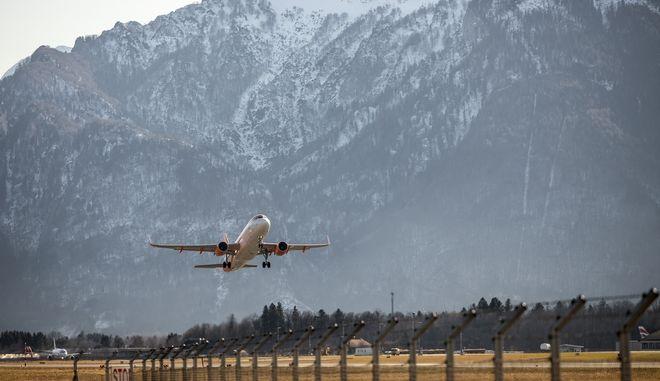 Μηδενικές εκπομπές CO2 από την αεροπορική βιομηχανία το 2050