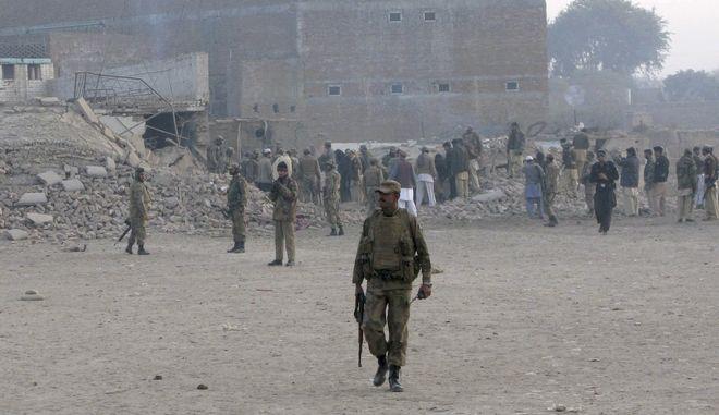 Αναστολή της χορήγησης βοήθειας 300 εκατ. δολαρίων στο Πακιστάν