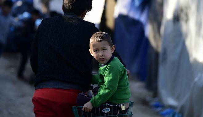 Παιδί πρόσφυγας στη Μόρια