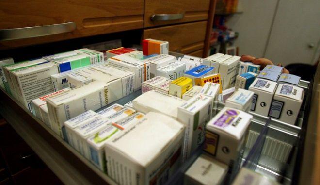 Φάρμακα καρκινοπαθών: Στο σκαμνί 21 γιατροί, νοσηλευτές και φαρμακοποιοί για λαθρεμπόριο