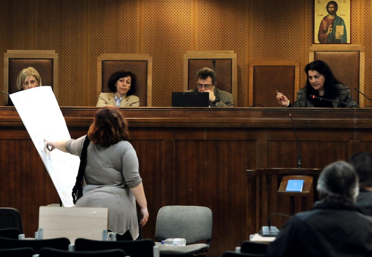 Η αυτόπτης μάρτυρας Δήμητρα Ζώρζου καταθέτει για τη δολοφονία του Παύλου Φύσσα.