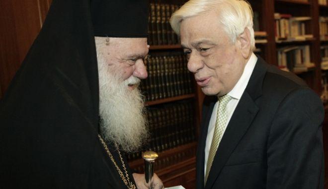 Στιγμιότυπο από την συνάντηση του ΠτΔ Προκόπη Παυλόπουλου με τον Αρχιεπίσκοπο Αθηνών Ιερώνυμο, Παρασκευή 19 Ιανουαρίου 2018 (EUROKINISSI/ΧΡΗΣΤΟΣ ΜΠΟΝΗΣ)
