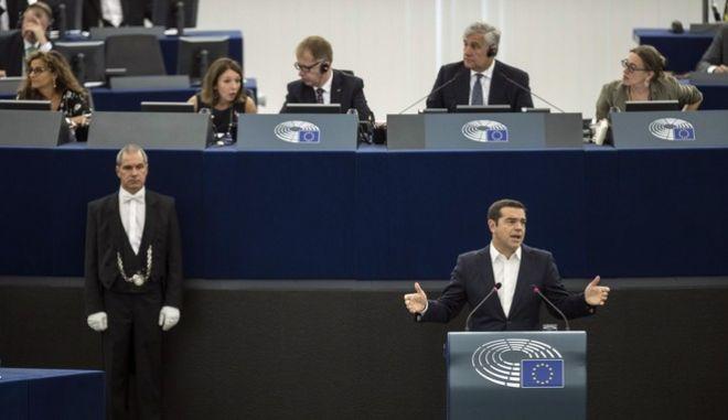 Στιγμιότυπο από την ομιλία του πρωθυπουργού, Αλέξη Τσίπρα, στο Ευρωκοινοβούλιο