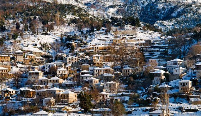"""""""Λευκή εβδομάδα"""" και στην Ελλάδα; Πρόταση για κλειστά σχολεία για οικογενειακές διακοπές"""