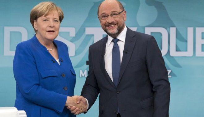 Σουλτς: Σε κομματική ψηφοφορία συνεργασία με την Μέρκελ μετά τις εκλογές